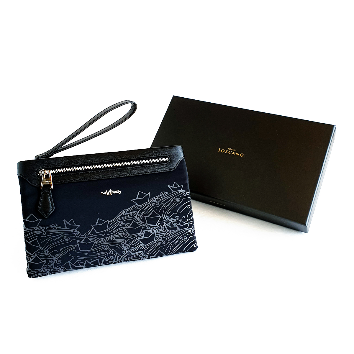 Wristlet Clutch/Crossbody (Black) - Paper Boats